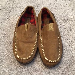 Levis size 11/12 brown checkered slip on slippers